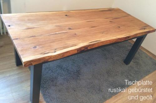 Tischplatte-rustikal-gebürstet-und-geölt