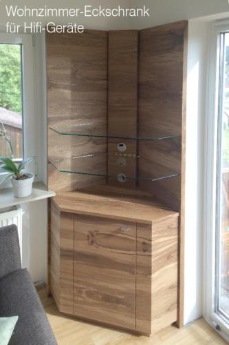 Wohnzimmer-Eckschrank-für-Hifi-Geräte